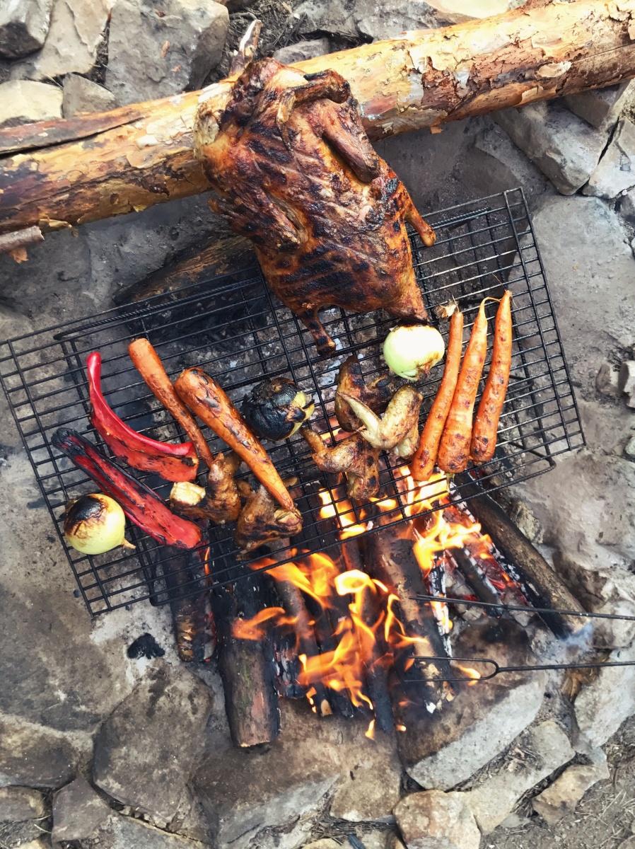 Nejlepší je pečení na ohni